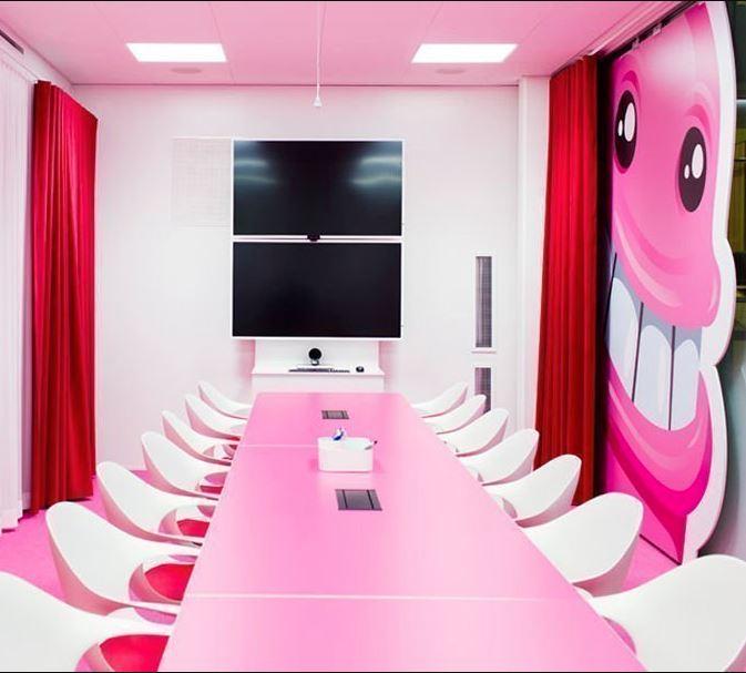 Despachos de las modernas oficinas de Candy Crush