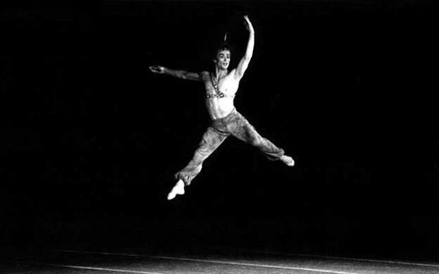 Rudolf Nuréyev historia del ballet profesional triunfador