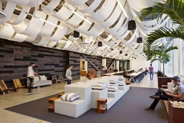 Dropbox y sus oficinas modernas con espacios ámplios