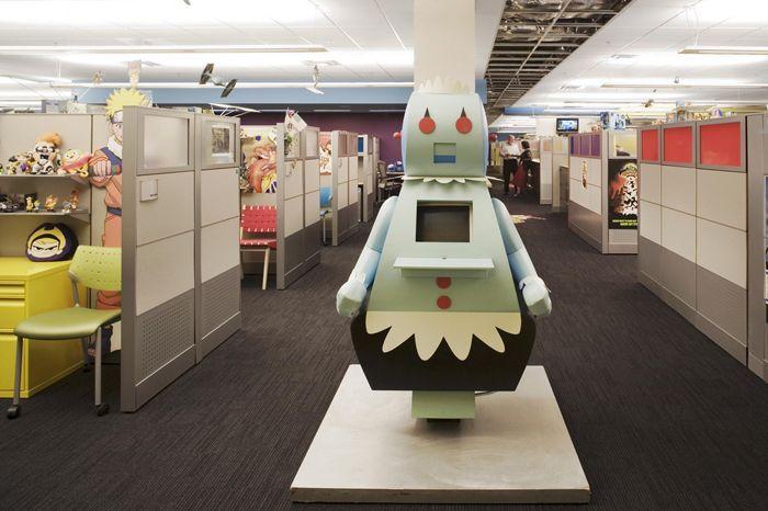 Oficinas modernas repletas de personajes de Cartoon Network