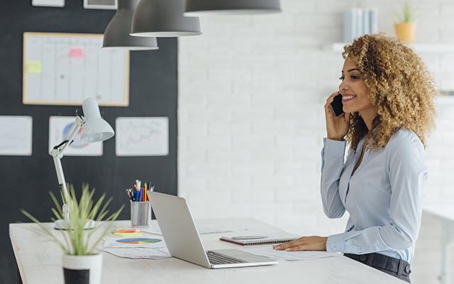 como-hacer-una-entrevista-de-trabajo-por-telefono-infojobs